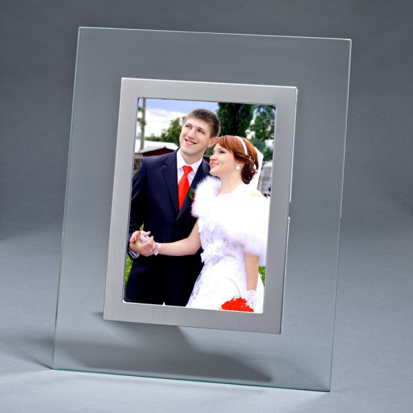 CLEAR GLASS FRAME, HOLDS 5